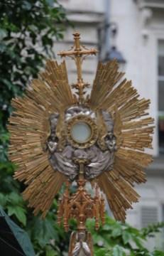 Adoremus in æternum Sanctissimum Sacramentum