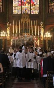 Procession du Saint-Sacrement - départ après vêpres