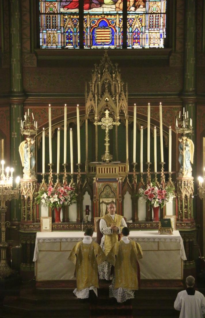 Messe de la Fête-Dieu - Bénédiction finale.