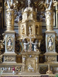 Peisey-Nancroix, église de la Trinité : retable majeur, détail : tabernacle.