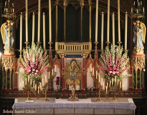Fête-Dieu 2019 : le Très-Saint Sacrement exposé