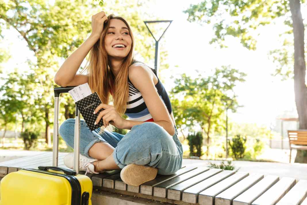 9 Tips on How to Speak with your Parents about Traveling Abroad