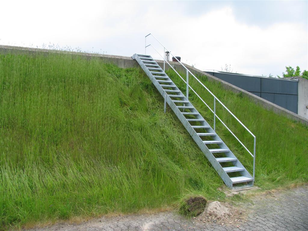 Terraentrapper Galvaniseret Til Hurtig Montering Og Aflaegning Pa Skraninger
