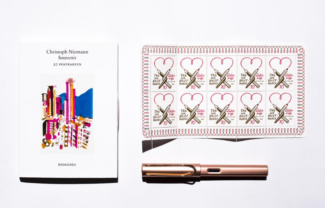 christoph-niemann-souvenir-20-postkarten-schonhalbelf-tipp-empfehlungen-uebersicht-postkartenbuch-diogenes