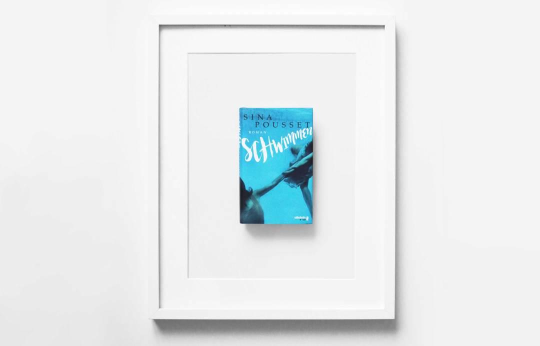 sina-pousset-schwimmen-schonhalbelf-buchblog-buch-rezension-kritik-buchtipp-empfehlung-blaues-cover-ferien-pool-wasser