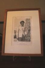 Dans cette pièce est exposée une lithographie d'Antoine Louis Roussin représentant Edmond Albius. Ce dernier, né esclave à Sainte-Suzanne en 1829, est connu pour avoir inventé la technique de pollinisation de la vanille. Grâce à cette découverte,  l'île devient pour un temps le premier producteur de cette épice.