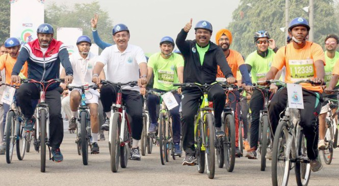 Petroleum Minister Participates in 5 Kms Green Ride to Create  Cycle Awareness