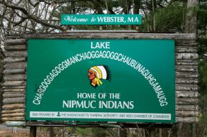 Chaubunagungamaug_lake_sign