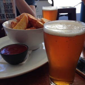 Pale Ale by Modus Operandi. And chips, of course.
