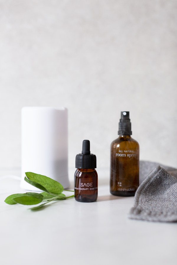 Sage essential oil rainpharma