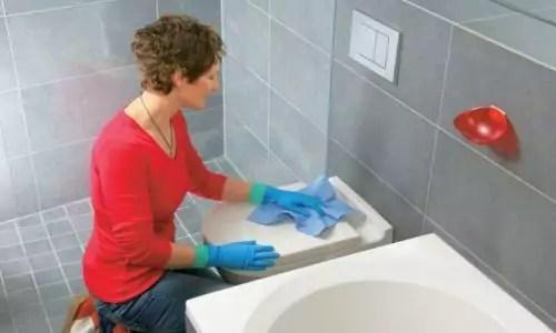 badkamer schoonmaken feat