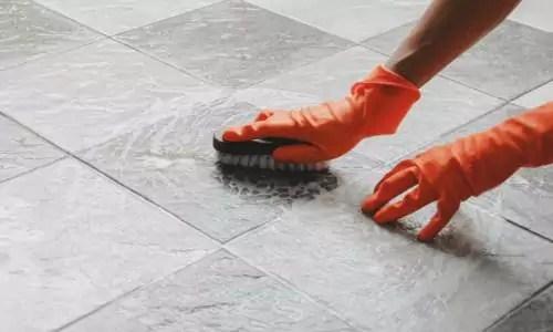 keramische tegels schoonmaken