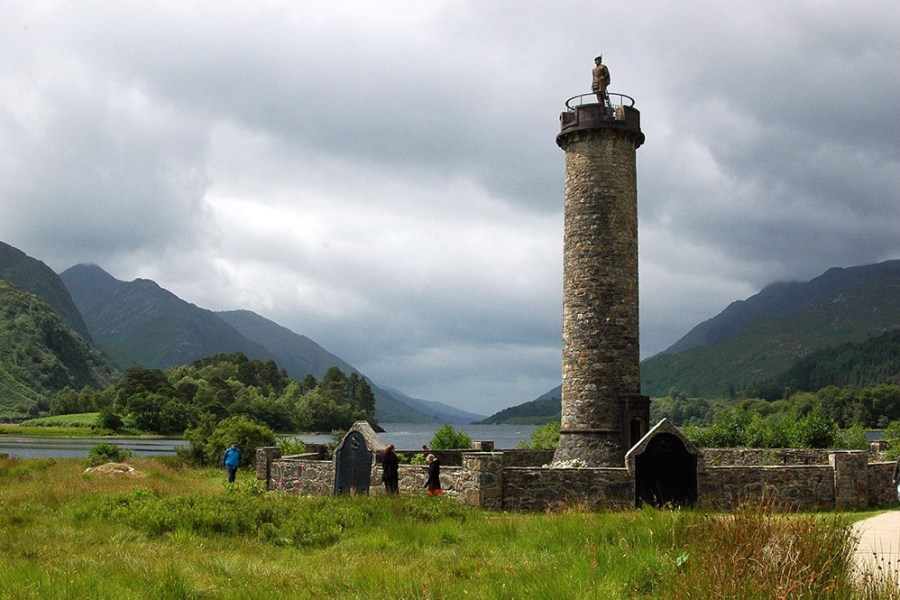 Das Jacobite Memorial kann waehrend der Bahnreise durch Schottland besichtigt werden.