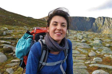 Unsere Reiseleiterin Hannah Grimmel leitet vor allem Wander-und Kulturreisen in Schottland.