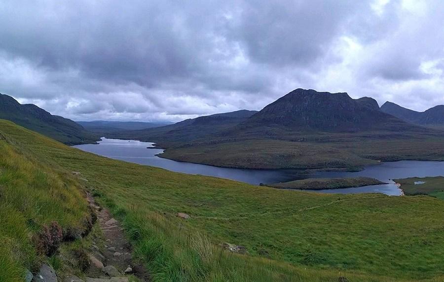 Abseits der Touristenpfade entdecken Sie Schottland mit einer Eco Rundreise im Auto.