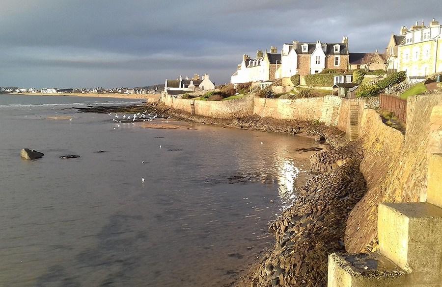 Bei einem individuellen Urlaub nach Schottland kann man East Neuk of Fife entdecken.
