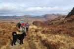 Kinder, die Outdoor und Wandern lieben, sind auf einer Rundreise durch Schottland genau im richtigen Urlaub.