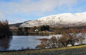 Winter ist eine gute Reisezeit für Schottlandurlaub, welchen man über Schottlandreise Wind&Cloud buchen kann.