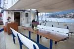 Auf dem Schiffsdeck der Flying Dutchman kann man während seiner Segelreise in Schottland vielen Aktivitäten nachgehen.