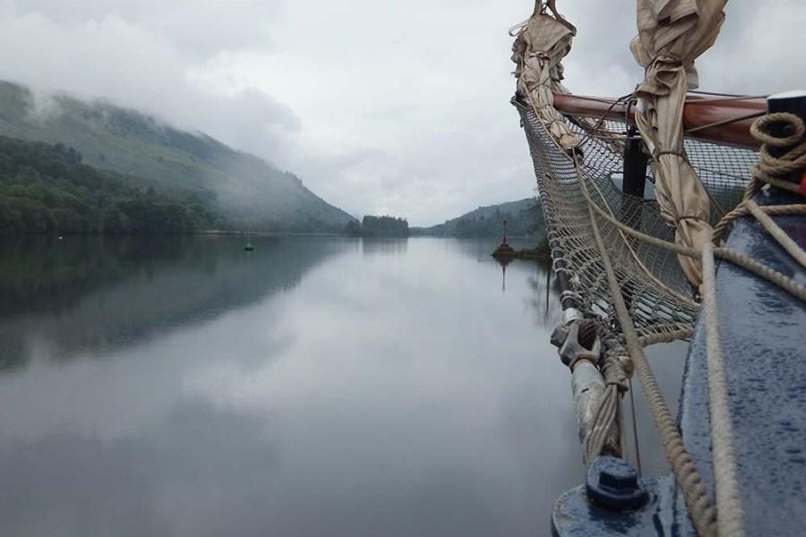 Begleiten Sie uns auf einer Segelreise durch Schotland und entdecken Sie Loch Ness.