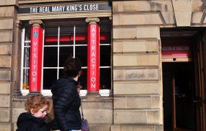 Underground Touren durch die schottische Hauptstadt Edinburgh sind oft Bestandteil einer Schottlandreise.
