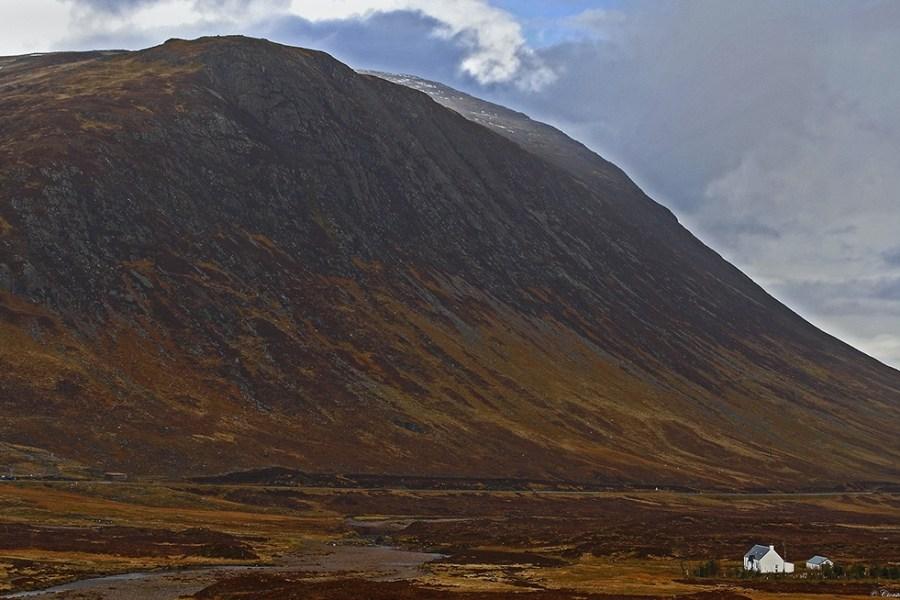 Individuell oder als Gruppenreise bietet sich der West Highland Way zwischen Ende April und Oktober an