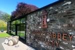 Die Lindores Distillery, Teil der Whiskyreise Schottland, ist in den Gemaeuern einer alten Abtei gegruendet worden.