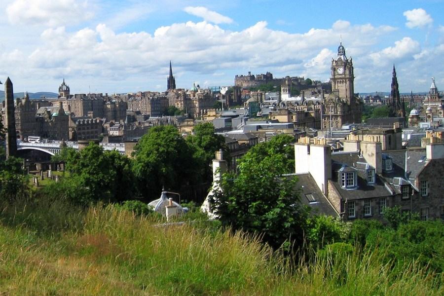 Per Rundreise erkunden wir auf dieser Whiskyreise, wie das schottische Lebenswasser in Schottland produziert und konsumiert wird.