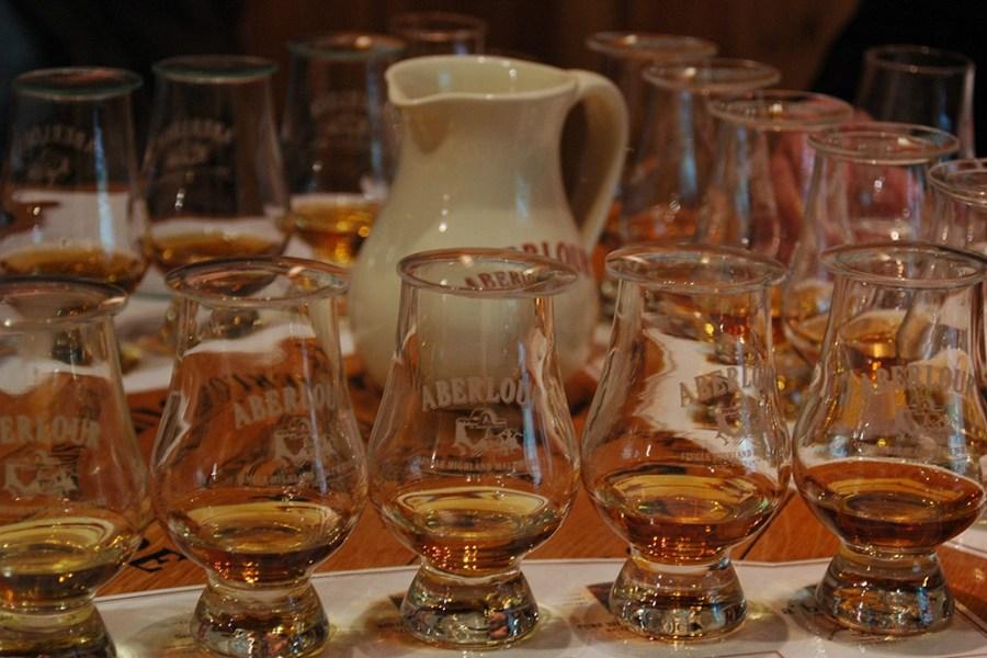 Die Whisky Tastings waehrend der Whiskyreise Speyside vermitteln einen besonderen Eindruck der hiesigen Whiskywelt.