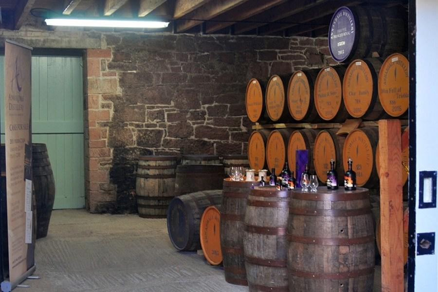 Ein Tagesausflug bringt Sie auf unserer individuellen Whiskyreise Edinburgh zu einer Brennerei.