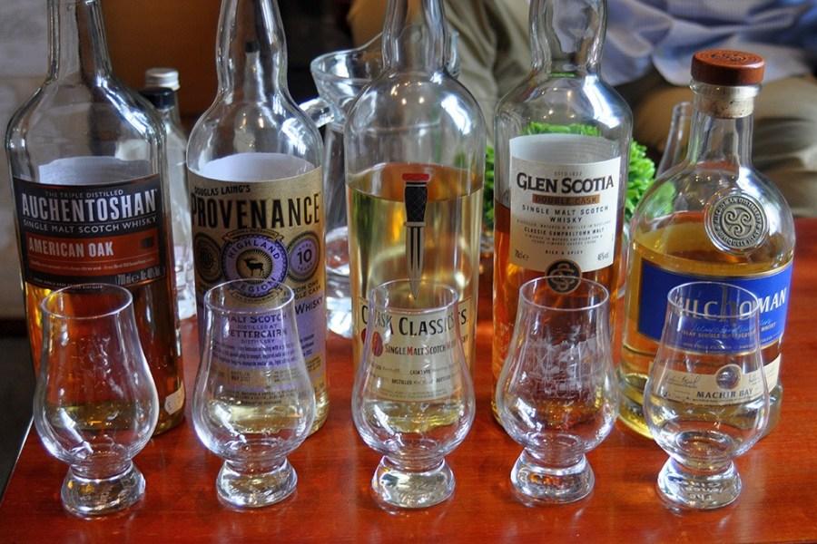 Die Hauptstadt Edinburgh bietet auf dieser Whiskyreises interessante Tasting Moeglichkeiten an.