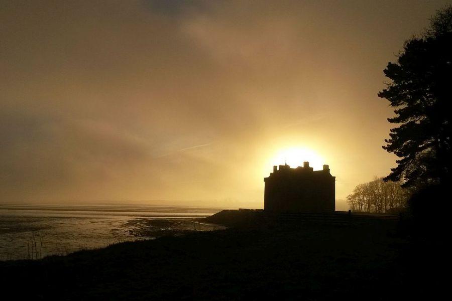 Spukschloesser und Geisterburgen sind nichts Ungewoehnliches in Schottland.