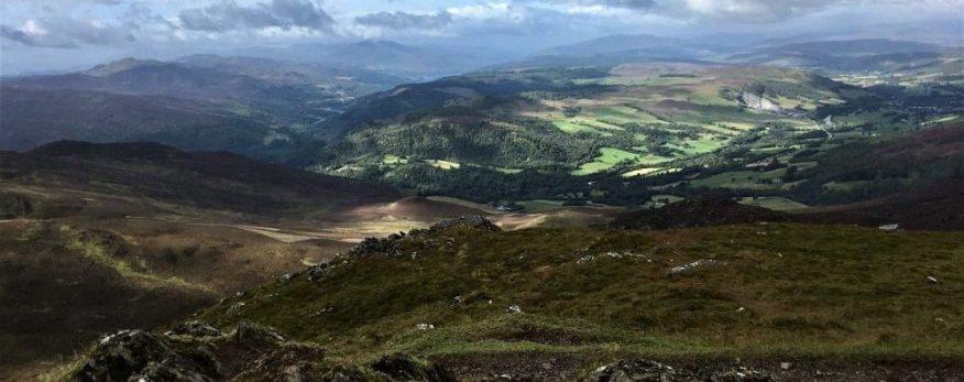Ben Vrackie in den Central Highlands ist auch im Zuge unserer Bahnreisen zu erleben.