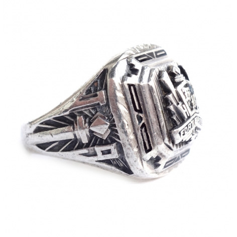 """HERFF JONES"" College Ring"