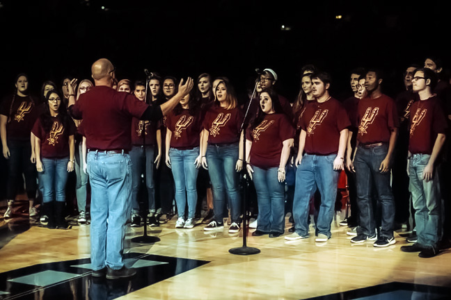 Schreiner University Choir Sings at San Antonio Spurs Game