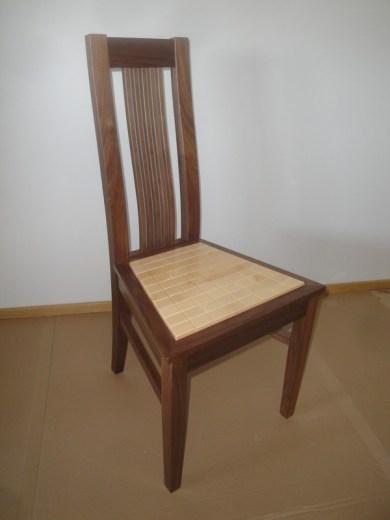 968 Stuhl in Nußbaum, Einlage Ahorn Longline Konus (3)