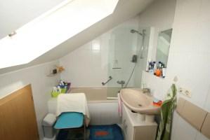 Kleines Badezimmer Mit Dachschräge   Blogdejust