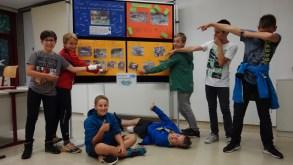 Schulfest, 25.07.2017: Die Klasse 6b hat den Tümpel zur ökologischen Wellness-Oase umgebaut und das Biotop gepflegt.