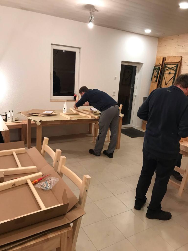 Möbel-Aufbau