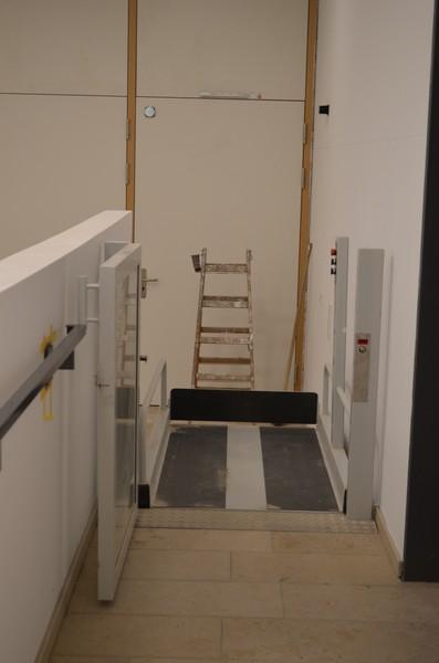 Der Eingangsbereich mit dem funktionierenden Lift!