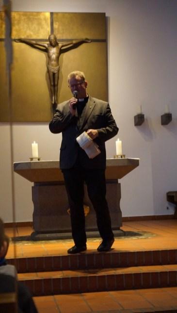 Zum Schluss bekamen alle den Segen von Pfarrer Wellenbrock.