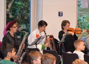 Begleitet wurde das Stück von einem hervorragenden Elternorchester.