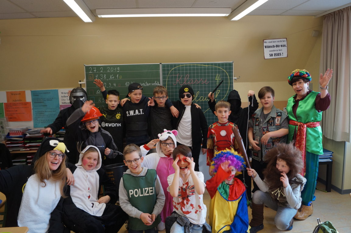 Schulkarneval_Postdammschule_2019 (5)