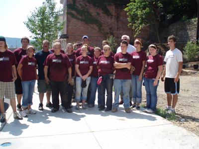 Some J.U.N.E. Project volunteers.