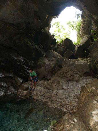 Jaskyňa pri vyvieračke Kelcyres