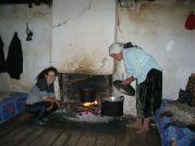 V dedinke Ragam nás domáci pohostili pri rodinnom krbe - Foto: Šmoll