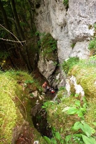 ...sme vyliezli tento skalný stupeň