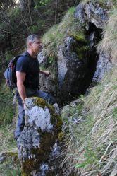 Objaviteľ pri Meandrovej jaskyni na Malom Choči