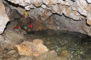 Dolné jazierko v Jazierkovej jaskyni je normálne suché