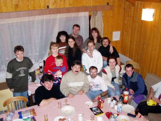 Účastníci na členskej schôdzi v r.2002
